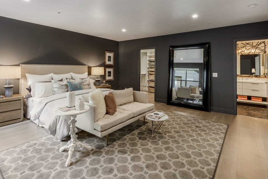 320 Alabama Master Suite 2